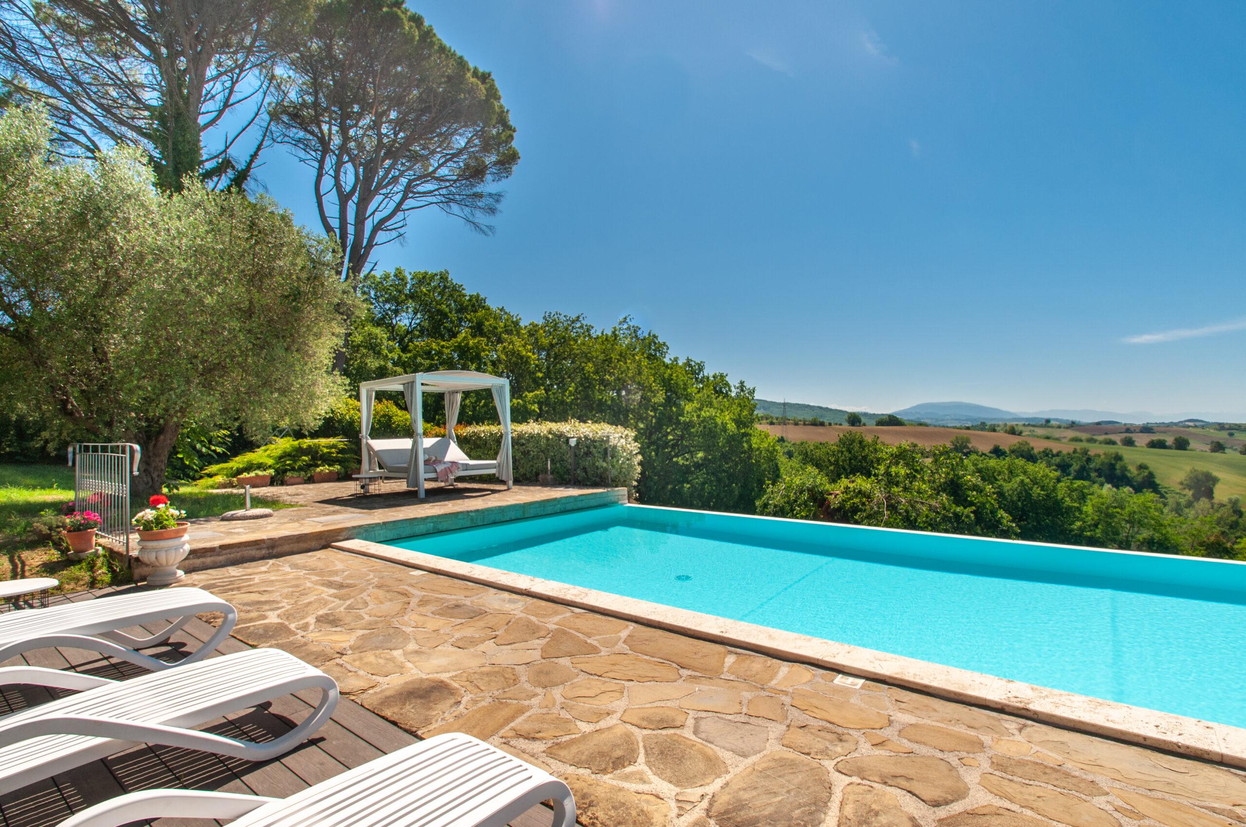 casa con piscina affitto esclusivo assisi